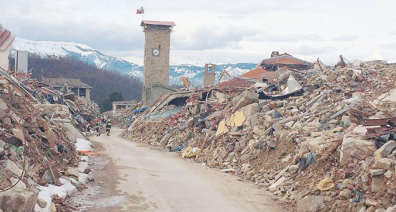 In Edicola sul Fatto del 23 febbraio – L'audio di Errani sulla ricostruzione e la voglia di voto di Renzi
