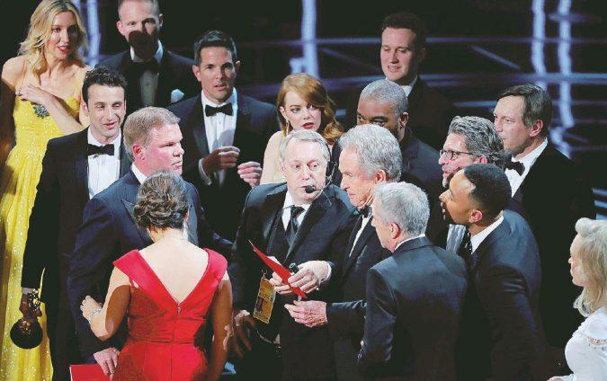 """La La Land"", no ""Moonlight"". Paperissima agli Oscar"