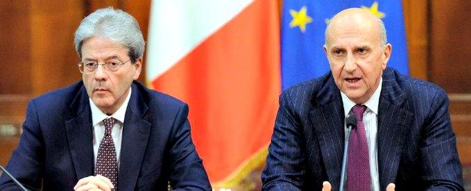 """Terrorismo, 007: """"Italia, rischio sempre più alto. Possibili azioni di lupi solitari"""". Gentiloni: """"Non creare paure infondate"""""""