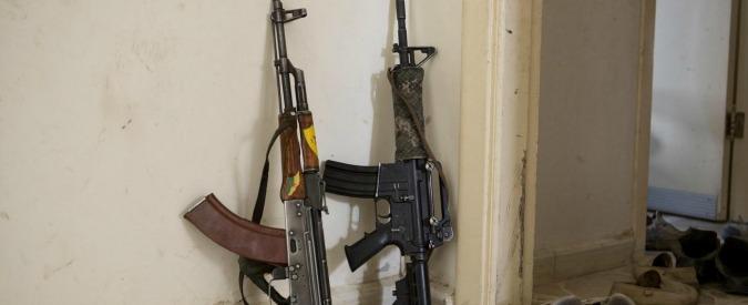 """Kalashnikov, l'azienda ha bisogno di assumere 1.700 dipendenti: """"Non riusciamo più a coprire gli ordini"""""""