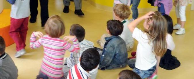 """Udine, no ai bambolotti di pelle scura negli asili: vietati giocattoli riferibili a """"diverse culture"""""""
