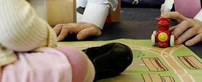 """Trento, Corte d'Appello riconosce la maternità surrogata di due uomini: """"Padri di bimbi nati in Usa"""""""