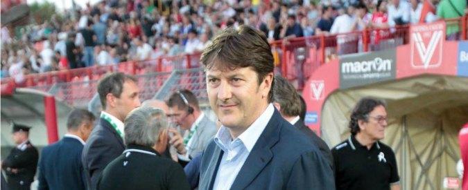"""Pescara, incendiata due auto del presidente Daniele Sebastiani che conferma: """"Lascio a fine stagione"""""""