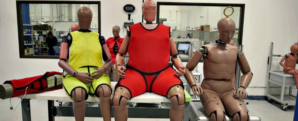 "Usa, basta coi soliti manichini. Per i crash test servono ""vecchi"" e grassi"