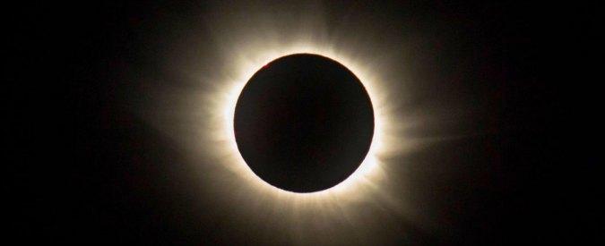Eclissi solare, il 26 febbraio il Sole apparirà come un sottile cerchio di fuoco nel cielo