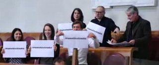"""Stadio Roma, la protesta del Pd in Consiglio comunale: """"#FamoStoStadio"""""""