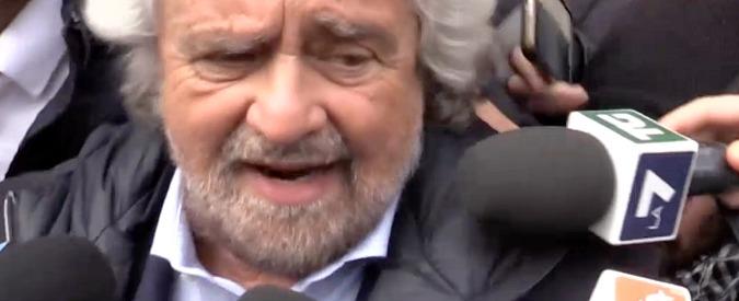 """Grillo attacca Renzi e Pd: """"Ci prendevano in giro sulla democrazia diretta, oggi ci copiano"""""""