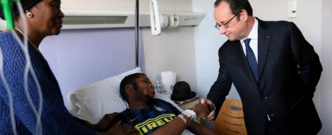 """Parigi, tensione nella banlieue dopo le violenze degli agenti su 22enne. Il suo appello dopo visita Hollande: """"No guerra"""""""