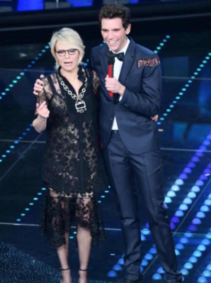 """Sanremo 2017, le pagelle di Michele Monina (serata cover): il masochismo televisivo di Conti, la Mannoia """"in ciabatte"""""""