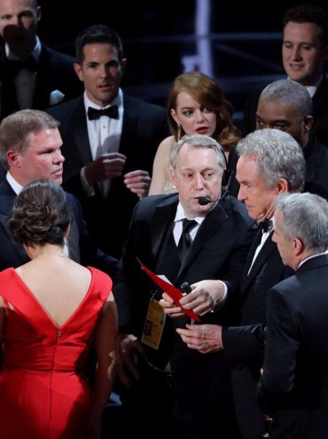 Oscar 2017, benedetta sia la gaffe e chi la commise. Jimmy Kimmel? Non all'altezza delle attese