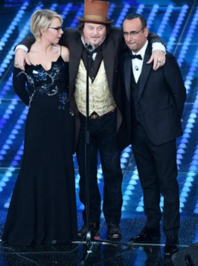 Sanremo 2017, le pagelle di Michele Monina (la finale): Elodie inutile, Gabbani tormentone. L'unico vero big? Zucchero - 12/19