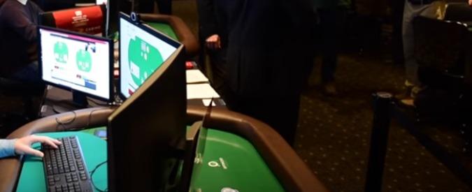 Intelligenza artificiale gioca a poker, bleffa e batte i grandi campioni