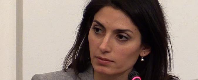"""Roma, l'interrogatorio di Virginia Raggi: """"Di queste polizze non so niente"""""""