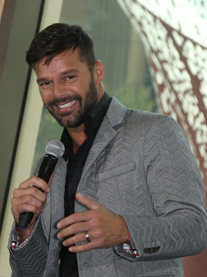 Amici 2019, al via stasera. La vera star è Ricky Martin: peccato che non abbia imparato una parola di italiano