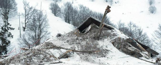 Rigopiano, sei indagati per la tragedia dell'hotel: anche il sindaco di Farindola e il presidente della Provincia