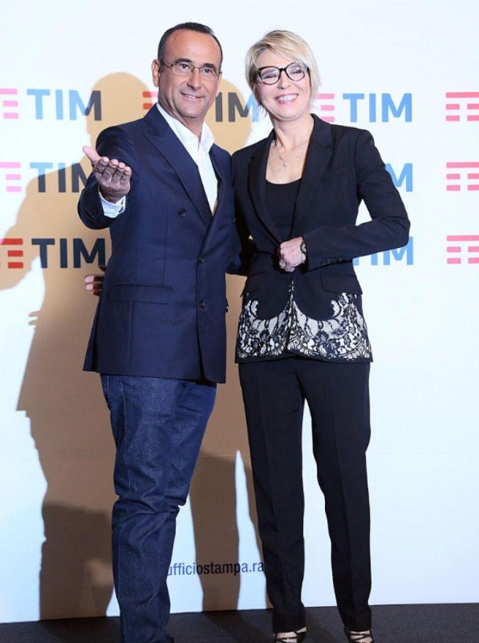 Sanremo 2017, la scaletta della prima serata. Il Festival comincia con l'omaggio di Tiziano Ferro a Luigi Tenco