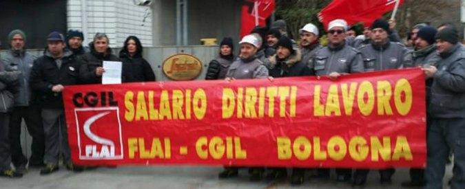 Bologna, Segafredo lo licenzia ma i suoi colleghi scioperano per due giorni e l'azienda cambia idea