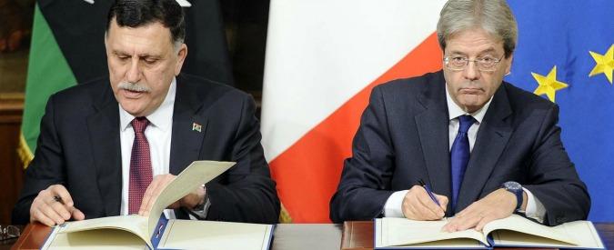 Libia, Corte d'appello di Tripoli boccia l'accordo Gentiloni-Sarraj sui migranti