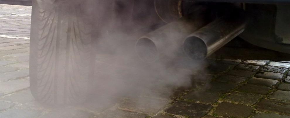 Inquinamento, i 10 consigli di Legambiente per ridurre lo smog