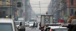 Milano, stop alle auto diesel in città da gennaio 2019: banditi tutti i veicoli fino a Euro 3, poi da ottobre anche Euro 4