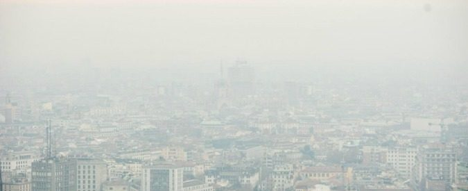 Smog, rispettare i limiti di legge europei aumenta i rischi per la salute?