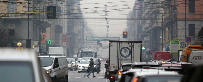 Smog a Milano, il blocco del traffico è una soluzione miope