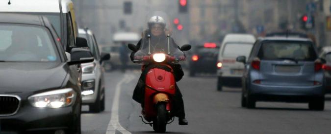 """Inquinamento, ultimatum Ue a Italia: """"Due mesi per ridurre le emissioni o giudizio di fronte a Corte di Giustizia"""""""