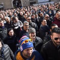 Milleproroghe tassisti in rivolta contro il rinvio delle for Disegni del mazzo sul basamento degli scioperi