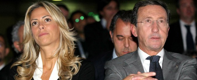 """Gianfranco Fini indagato, il gip: """"Corallo divenne socio della famiglia Tulliani per i rapporti con vicepremier"""""""