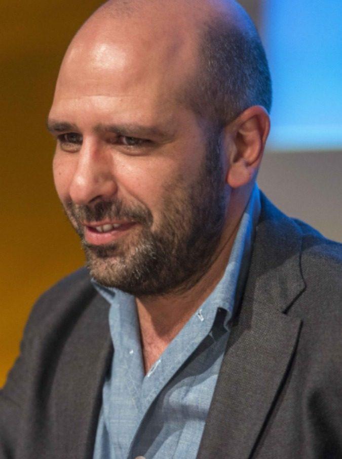 Sanremo 2017, Checco Zalone protagonista anche quando non lo è