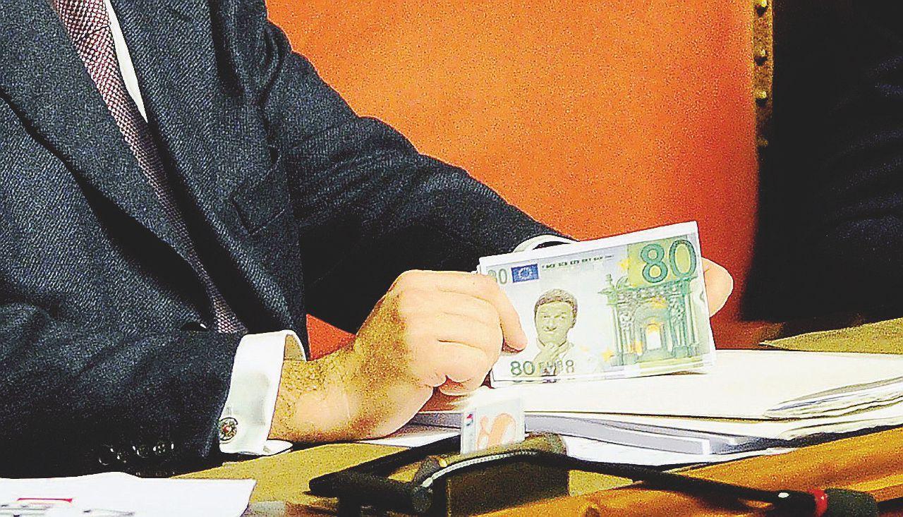 In Edicola sul Fatto Quotidiano del 1 marzo: Cucù, gli 80 euro non ci sono più: 2 milioni di beffati
