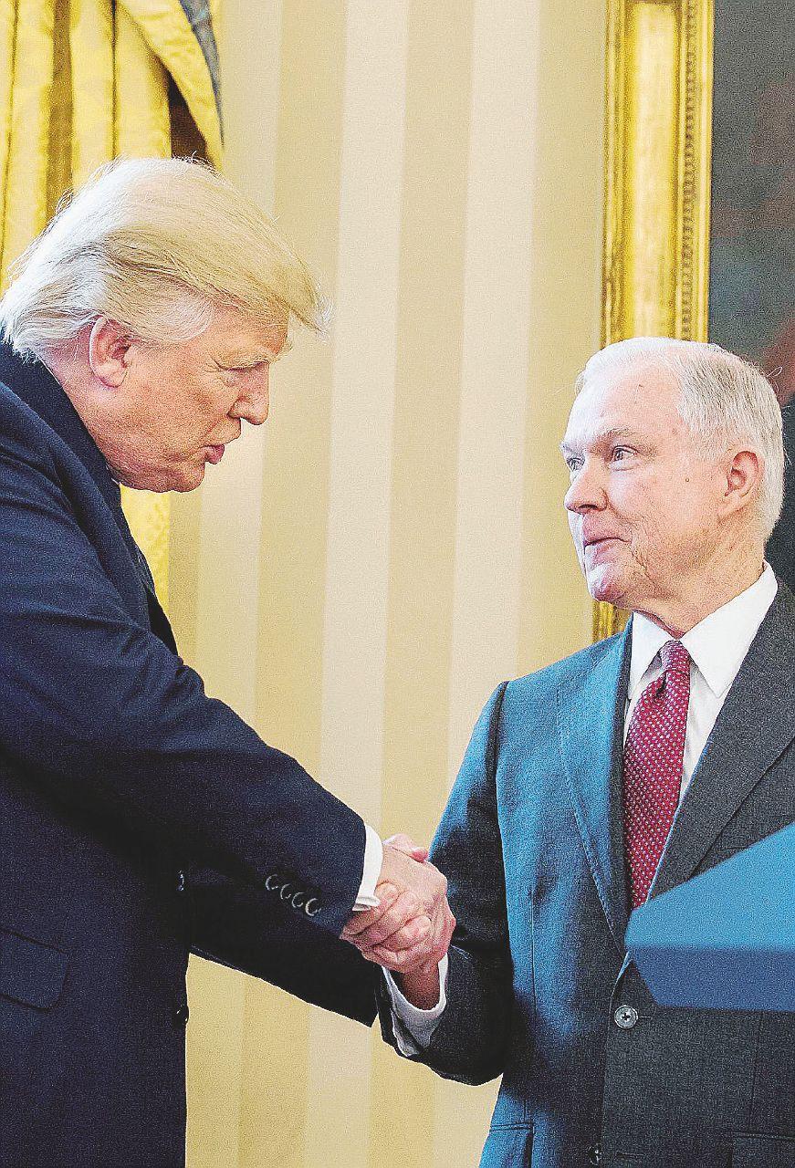 Il boomerang Russia-gate affossa l'ultrà di Trump