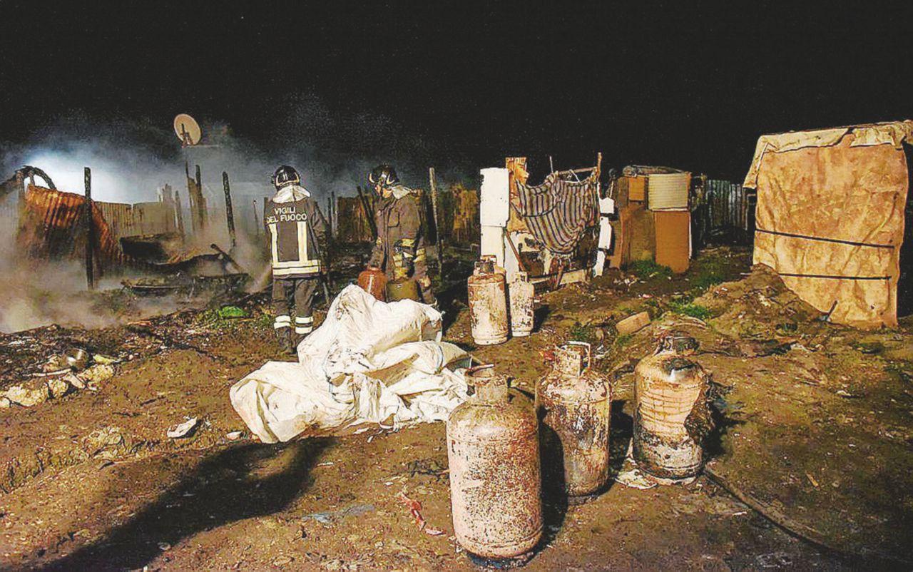 Le fiamme al Gran Ghetto uccidono due schiavi