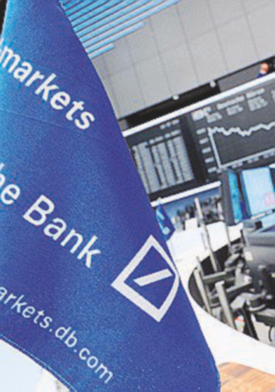 Deutsche bank, crollo in Borsa dopo l'ok alla ricapitalizzazione