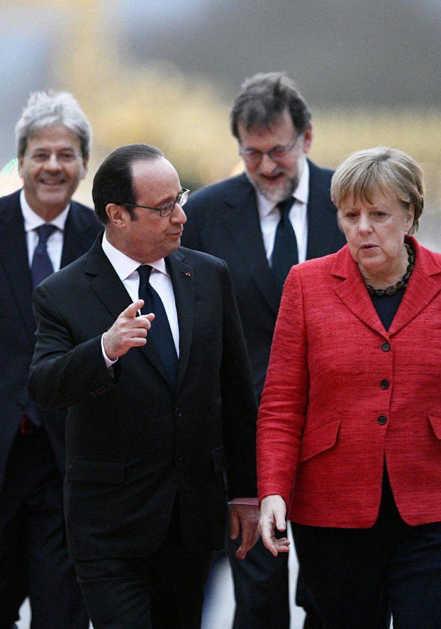 """Vertice a 4 sull'Europa a Versailles: """"Unione va bene a più velocità"""""""