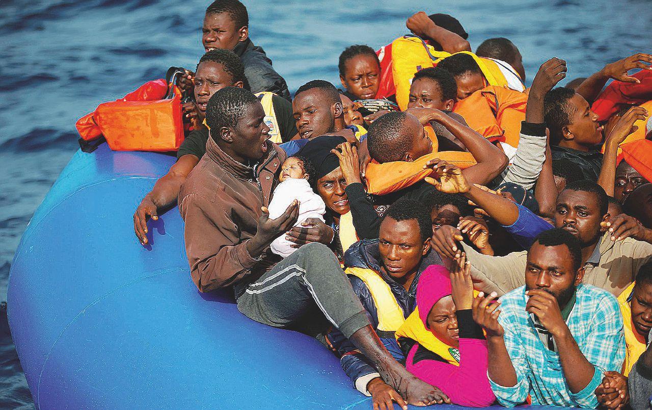 Migranti, l'Italia chiede aiuto e riceve bocciature