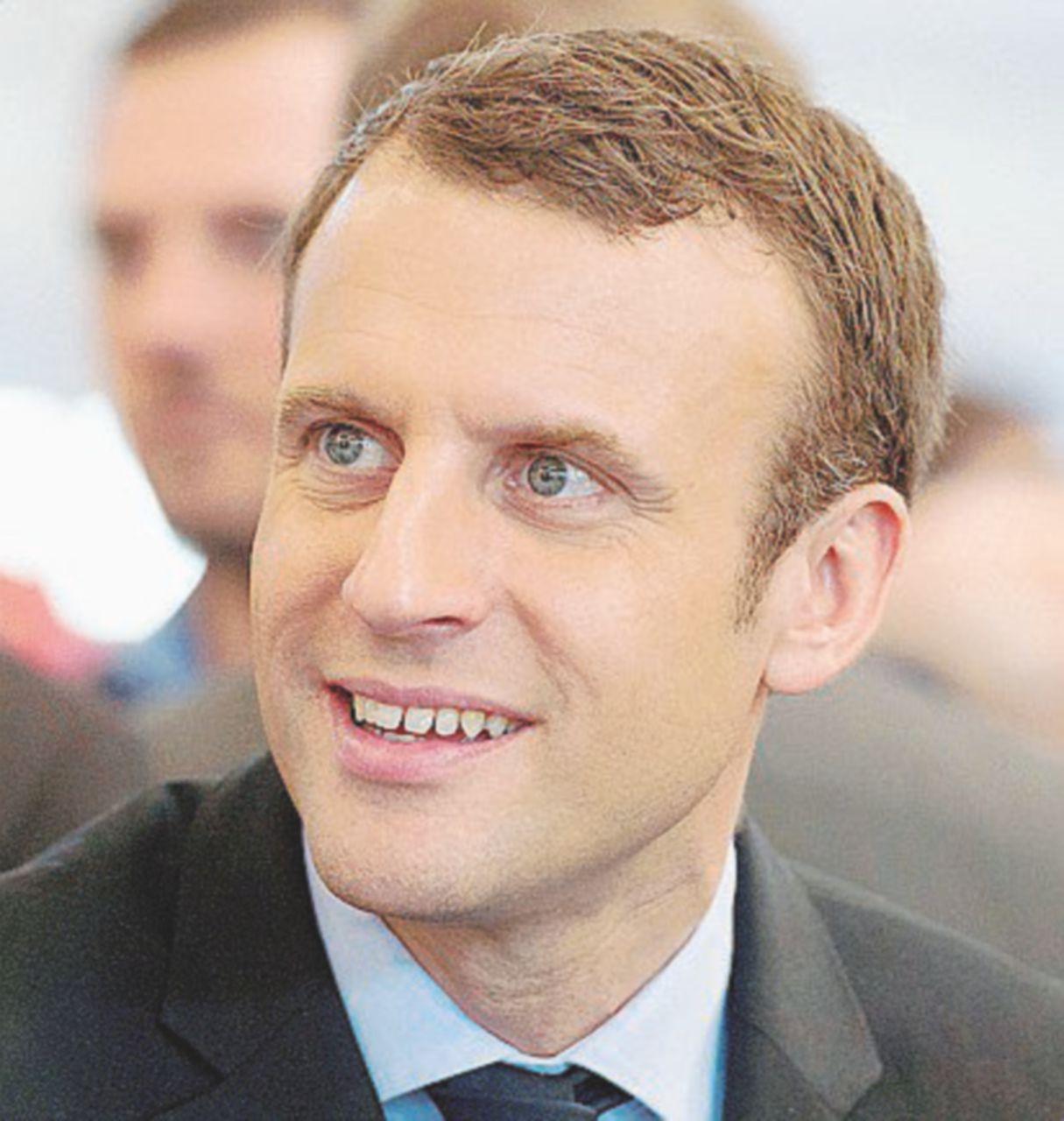 Macron En Marche! e Hamon s'arrabbia