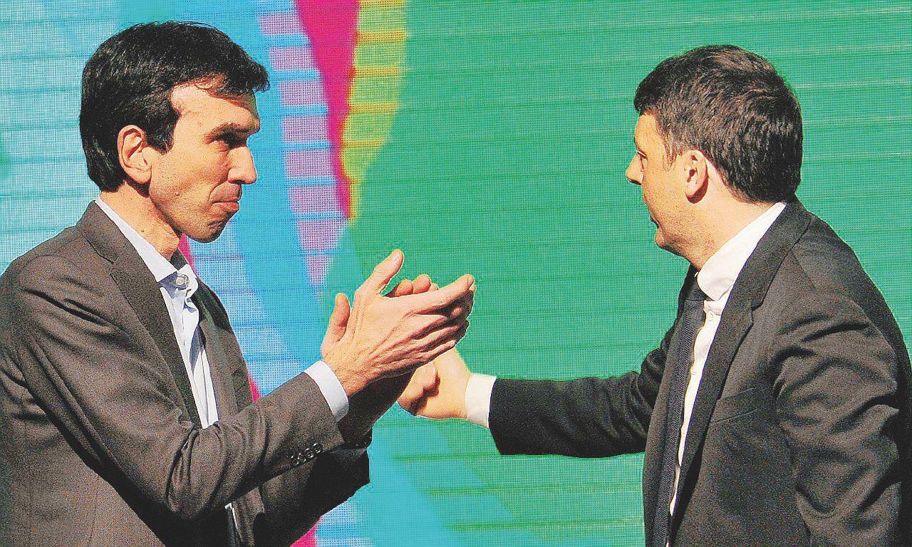 Il comizio di Renzi a Torino sembra scritto sei mesi fa