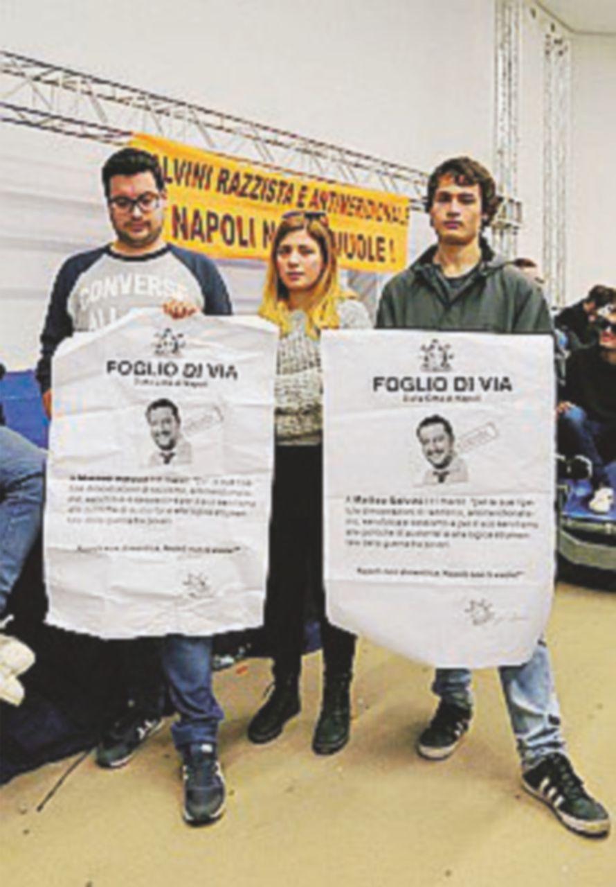 Salvini oggi a Napoli, occupata la sala De Magistris attacca