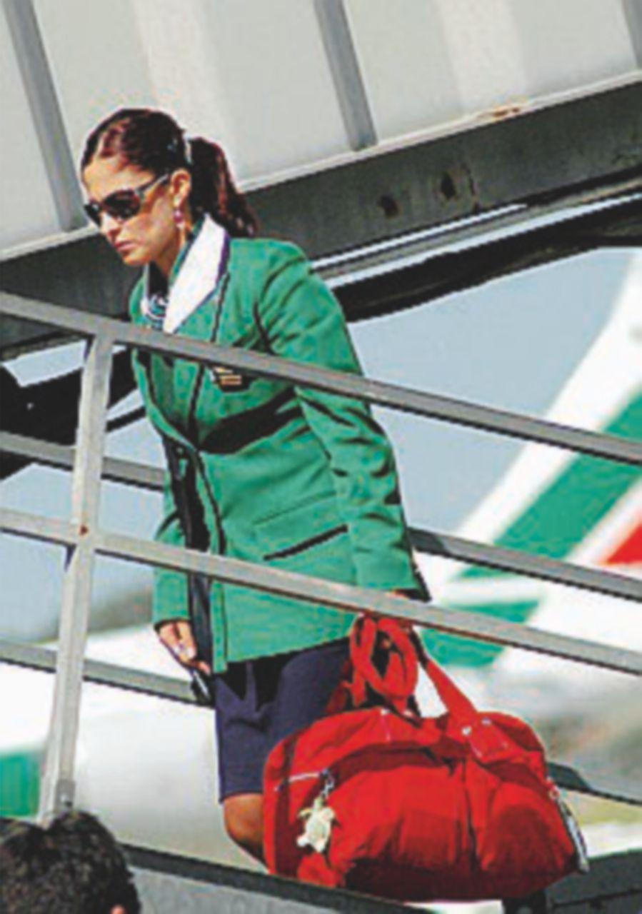 """""""Alitalia prepara un nuovo piano: tagli per un miliardo"""""""