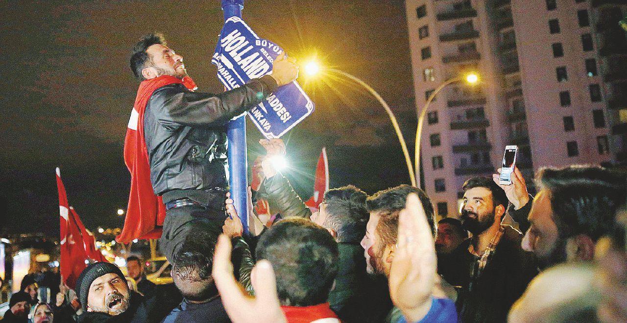 """Il Sultano va contro tutti e sul Bosforo vincono i """"patrioti"""""""