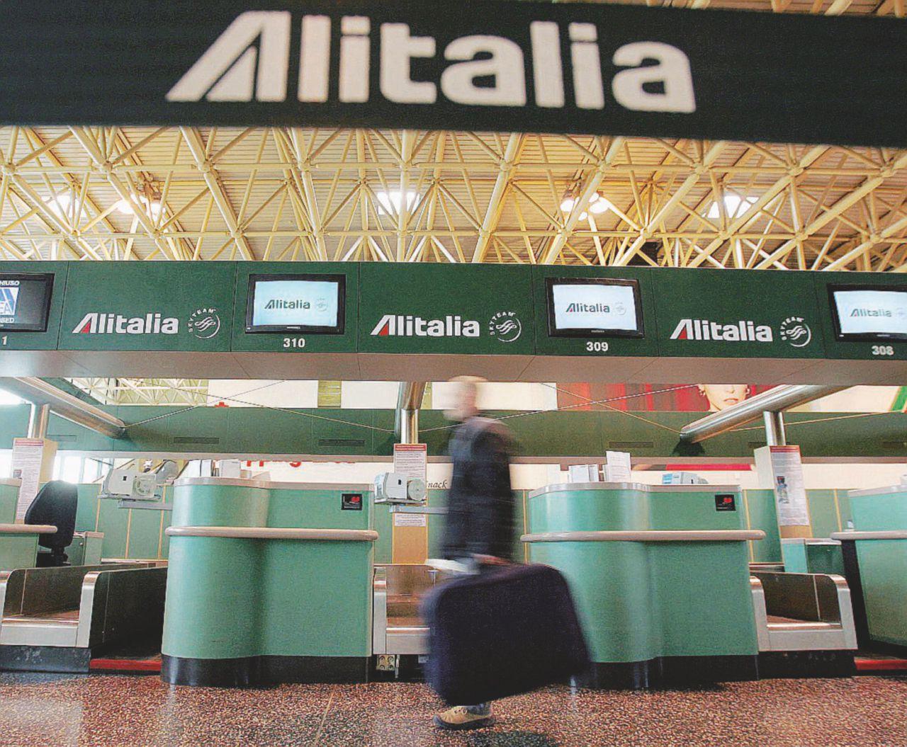 Il piano Alitalia decolla male: ci costerà un altro miliardo