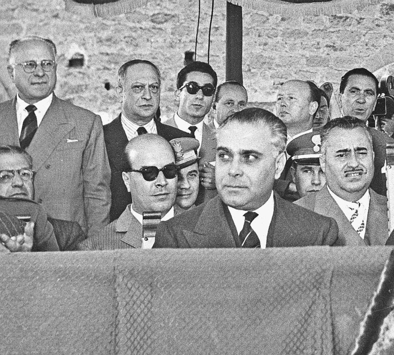 """""""Mattarella sr. uomo d'onore"""". Caruso condannato per il libro"""