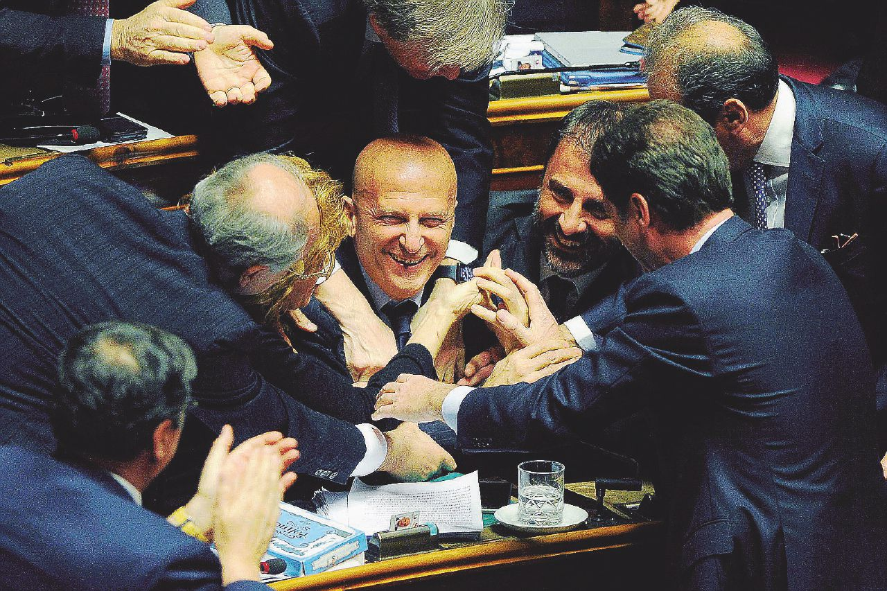 In Edicola sul Fatto Quotidiano del 17 marzo: garantisti ForzaPd. Si scrive Minzo, si legge Berlusconi
