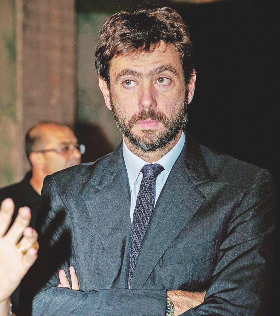 Juve e mafia, Agnelli rischia ma Elkann (per ora) lo salva