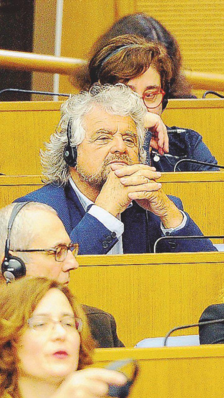 """Grillo non ride: """"Chi è in dissenso se ne vada pure"""""""