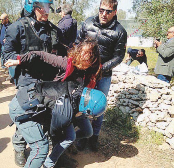 Proteste contro il gasdotto Tap e l'espianto degli ulivi in Salento. Emiliano sta con i manifestanti