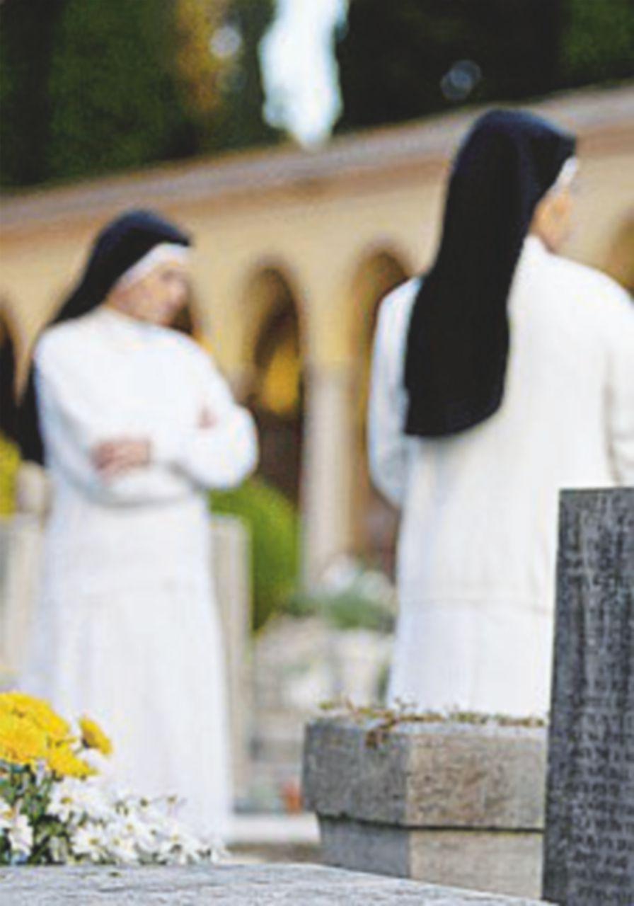 Sorella bagarino, finte suore vendono pass per Bergoglio