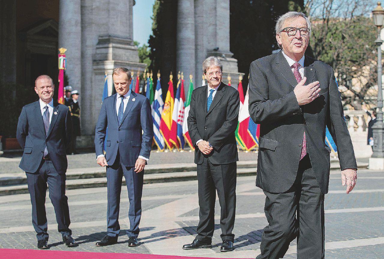 """""""In effetti io avrei fame"""". E Juncker chiude lo show"""