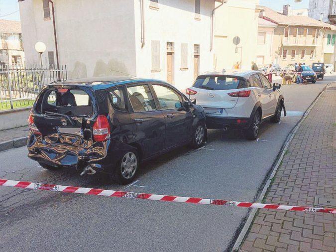 """Sperona l'auto della ex moglie e l'accoltella: è gravissima. Scriveva: """"Donne di merda!"""""""